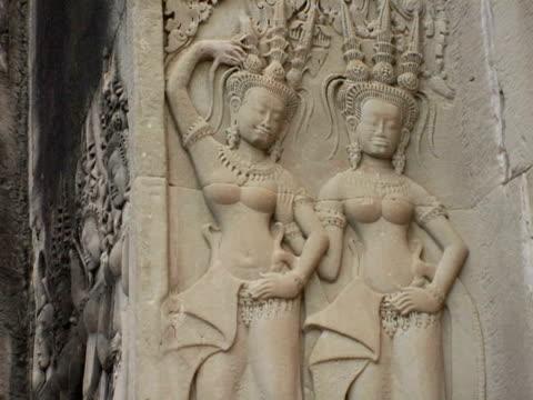 CU, Bas relief carvings of Apsaras at temple, Angkor Wat, Cambodia