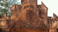 ZO / Bas-Relief at entrance to Banteay Srei temple
