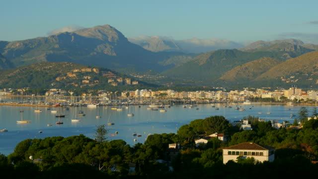 Bay of Puerto Pollenca with Tramuntana Mountains, Majorca, Balearic Islands, Spain