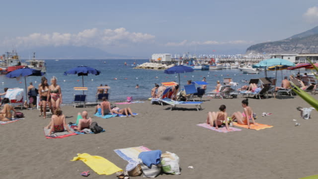 Beach in Marina Grande, Sorrento, Costiera Amalfitana (Amalfi Coast), UNESCO World Heritage Site, Campania, Italy, Europe