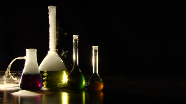 Beakers - Slow Motion Locked WS 5