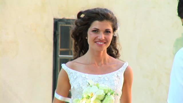 HD: Beautiful Bride