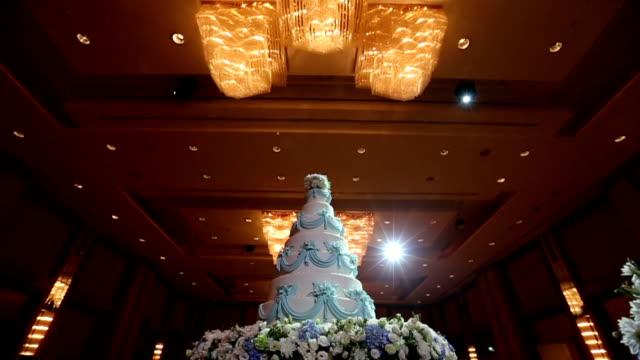 Prachtige taart voor de ceremonie van het huwelijk, Dolly schieten