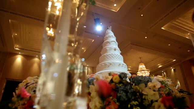 Splendida torta per una festa di matrimonio, Dolly riprese in HD VDO movimento