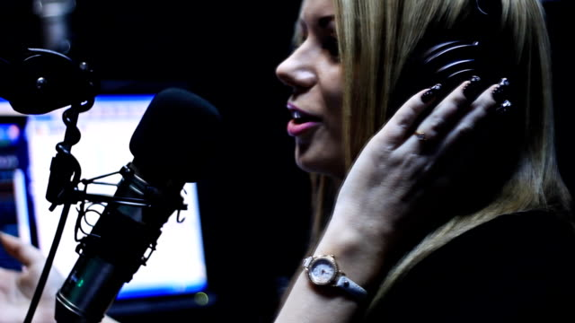 Bella DJ Radio spettacolo dal vivo in aria