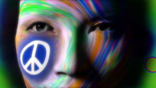 Schönen Mädchen Gesicht gemalt PEACE symbol