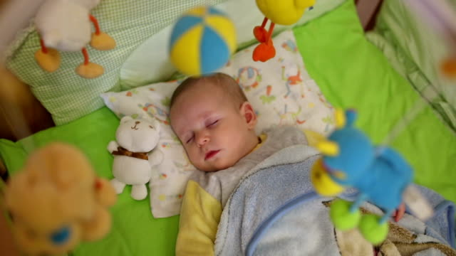 Bellissimo piccolo bambino dormire