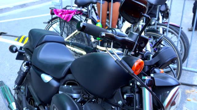 Schönes Motorrad stehen auf der Straße