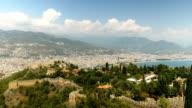 Mooie panoramische uitzicht vanaf het kasteel van Alanya met achtergrond van Alanya Stad