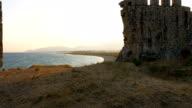Schöne Aussicht von der mittelalterlichen Burg an der Mittelmeerküste