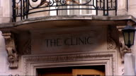 Bee Gees singer Robin Gibb remains in coma T15041225 / TX London Harley Street EXT Exterior of clinic where Robin Gibb is being treated for cancer...