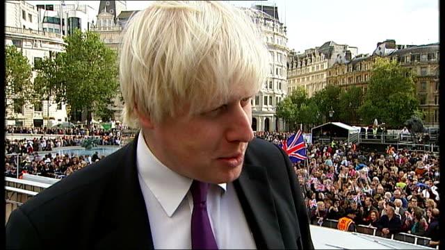 Boris Johson interview / Athletes arrive at Buckingham Palace ENGLAND London Trafalgar Square EXT Boris Johnson interveiw SOT Talks about the...