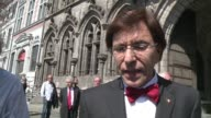 Belgium premier Elio Di Rupo cast his vote in EU elections Sunday as Belgian police hunted down a gunman who shot dead three people on Saturday in an...