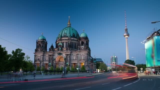 TIME LAPSE: Berlin Cathedral Television Tower