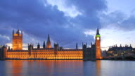 Big Ben e il Parlamento time-lapse. Londra al tramonto