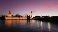 Big Ben e il fiume Tamigi al tramonto, time lapse, Video HD