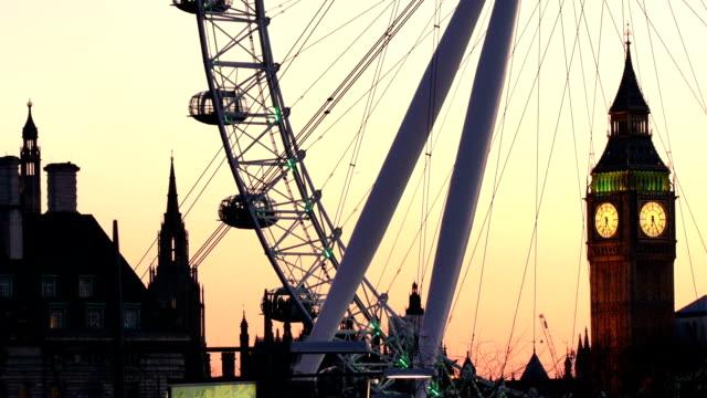 Big Ben and the London Eye at dusk