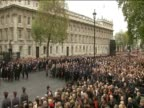 Big Ben chimes on remembrance Sunday to mark beginning of two minutes silence