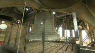 Big Ben's bongs to be silenced for four years during major renovation work LIB / TX Big Ben bell in tower Crack in metalwork structure Interior of...