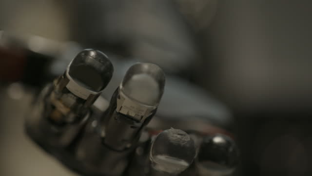 Bionic Hand, rack focus close up