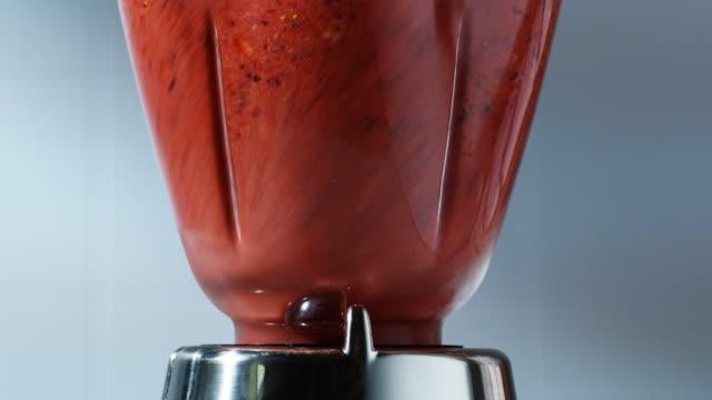 blender blending a smoothie