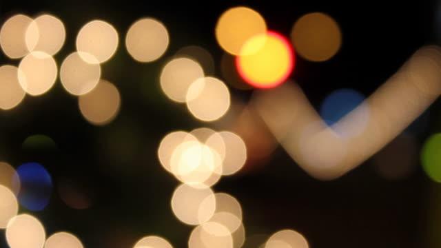 Blinkenden Lichter verschwommen.
