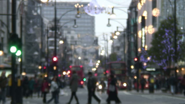 HD: Blurred Winter / Holiday Shoppers