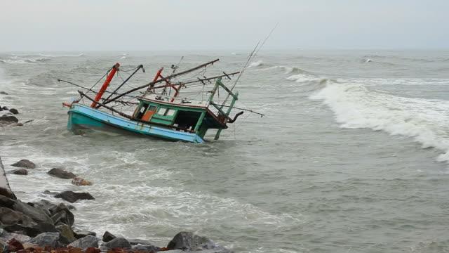 Barca Affondare