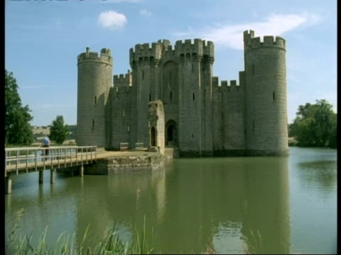 Bodiam Castle, Sussex - front view, bridge on river Rother leading to entrance
