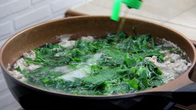 Boiled vegetables with pork grind