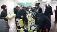 Bosnian Muslims helps 450 refugees in Sjenica Serbia on January 21 2017 Sjenica in Serbia but its population is dominated by Bosnian Muslims Sjenica...