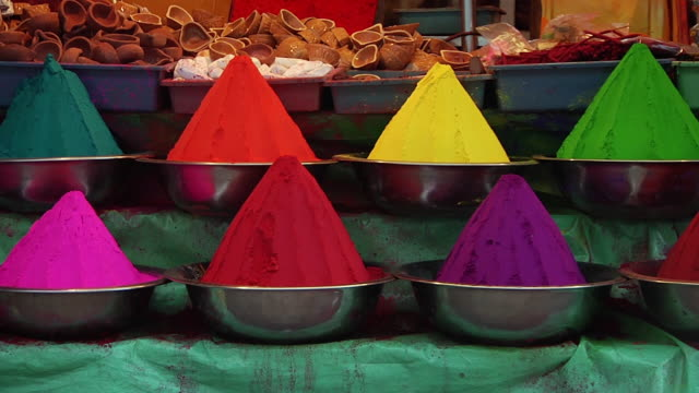 CU Bowls of brightly colored spices / Jaipur, Rajasthan, India