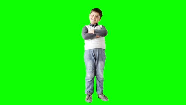 Model van de jongen in vest poseren
