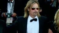 Brad Pitt desembarco este martes en la alfombra roja de Cannes con una mision en mente hablar de su nueva pelicula Killing Them softly candidata a la...