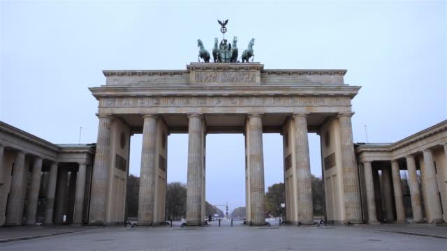 Brandenburg Gate, Berlin, early morning timelapse