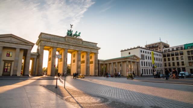 Brandenburger Tor van Berlijn bij zonsondergang, Duitsland
