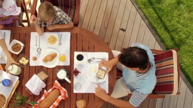 GRU HD: Prima colazione sulla terrazza