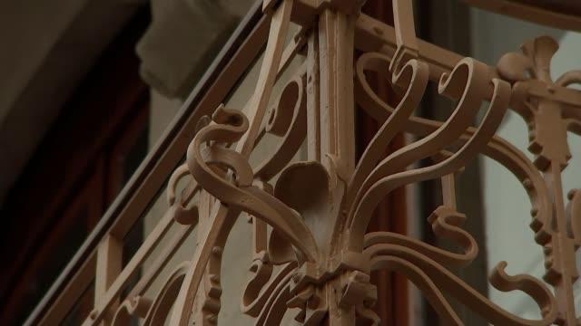 negotiations at 'disturbing deadlock' over UK divorce bill Brussels EXT GVs Art Nouveau style city centre buildings Passengers getting off tram