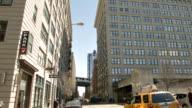Brooklyn bridge über Gebäude