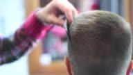 Barbuto brutale barbiere clipper mows slip a vita bassa