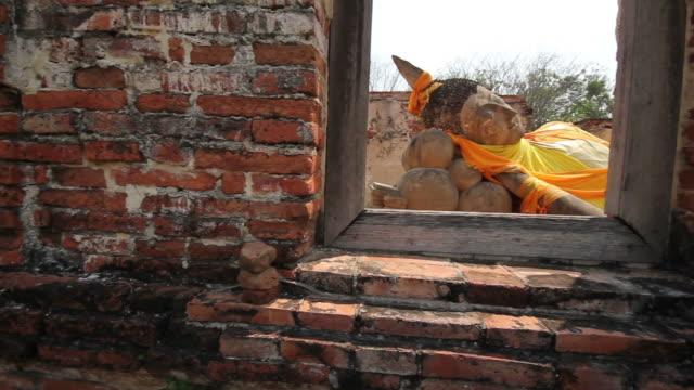 buddha sleep in window