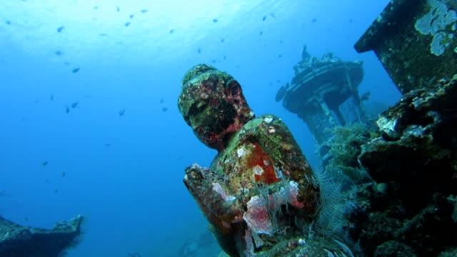 Statua del Buddha Subacqueo