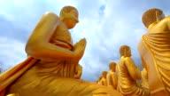 Buddha-Statuen im Tempel
