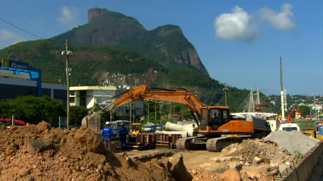 Building work in Rio on transport links to the 2016 Olympics venues