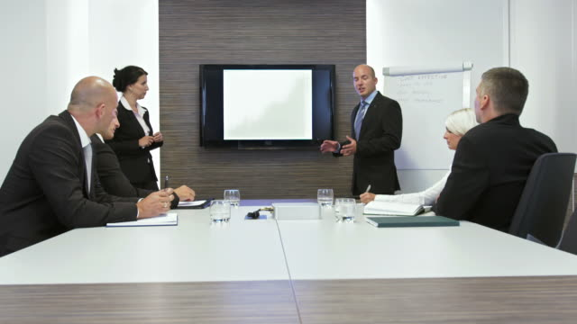 HD DOLLY: Business Meeting With Presentation
