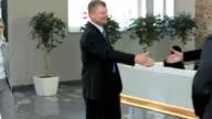 TU MS Business Partner begrüßen Sie In der Lobby
