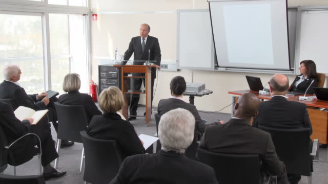 HD: Business Seminar