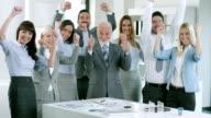 Business team Festeggia
