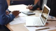 Business Team is het analyseren van bedrijfsgegevens