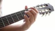 Zakenman gitaar spelen in vrije tijd
